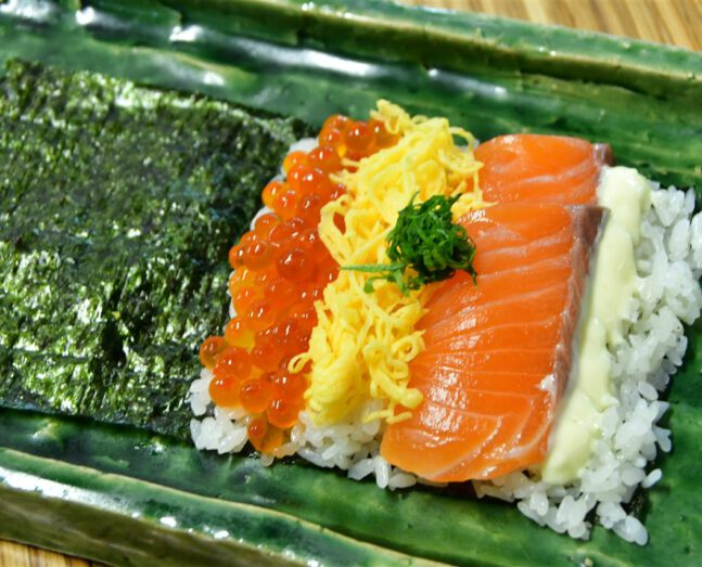 Salmon Ikura TEMAKI